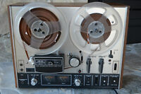 AKAI  4000DS MK-11 reel to reel recorder