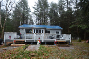 LOVELY COUNTRY HOME! 3997 County Road 121, Kinmount, ON