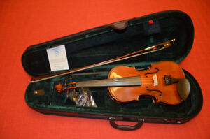 Brand New 1/2 Size Stentor Standard Violin with Bow/Case