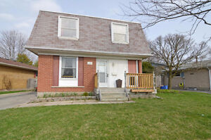 2 Storey home backing onto Nelson Park! SATURDAY OPEN HOUSE!