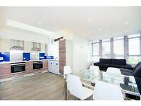 5 bedroom flat in Summer Street, Woodside, Aberdeen, AB24 4EY