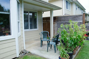 NEWER - 3 BD - TOWNHOUSE - NEAR RUTH MASTERS PARK Comox / Courtenay / Cumberland Comox Valley Area image 8
