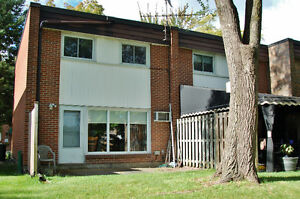 Affordable East Side Townhouse Condo Windsor Region Ontario image 8