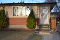 Duplex on quiet cres in Walsh Acres available on May 1st