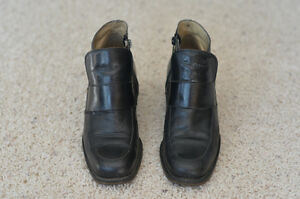 Browns Ladies Ankle Boot size 8