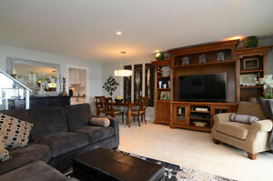 Panoramic views West Van Townhouse-like condo for SALE North Shore Greater Vancouver Area image 4