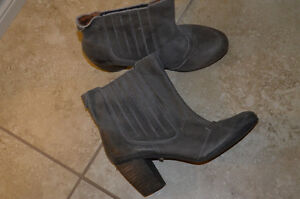 Gorgeous Grey European Leather Boots Kitchener / Waterloo Kitchener Area image 2