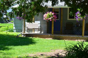 Cute as a button Inverhuron cottage for weekly summer rental. Cambridge Kitchener Area image 2