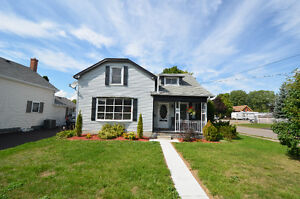 MOVE IN READY! 62 King Street, Lindsay, ON