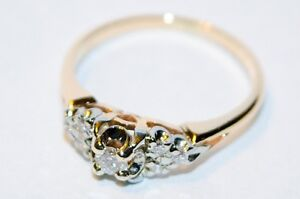 Beautiful ladies yellow gold engagement ring