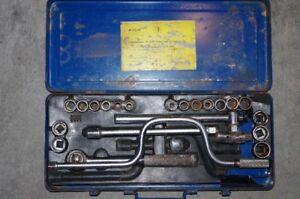 ratchet and socket set