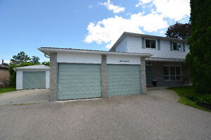 GREAT LOCATION! 17 Applewood Cres, Lindsay, ON