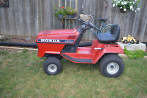 Honda riding lawn mower