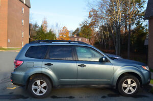 2010 Subaru Forester 2.5X AWD SUV!! Priced to Sell!!!!