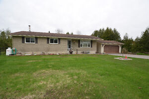 SPOTLESS 3 BEDROOM BUNGALOW - 1934 County Road 8, Bobcaygeon, ON