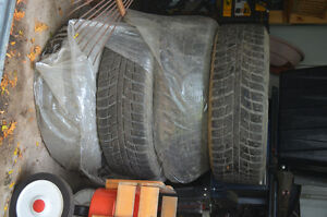 Four Winter Tires on rims in EUC Peterborough Peterborough Area image 4