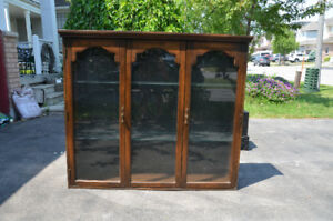 Vintage Display Case/China Cabinet w/ Lights inside