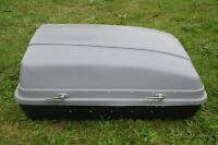 18 cubic foot 'reinforced' roof top box $200 FIRM