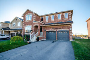 GORGEOUS 4 BEDROOM EXECUTIVE HOME IN INNISFIL