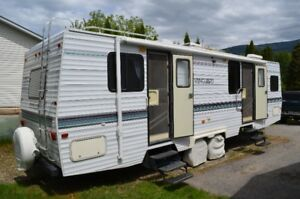 1997 31' Vanguard travel trailer, great shape for it's age!