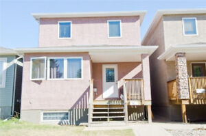 Move in ready 3bed/2.5 bath home in Highland Park!
