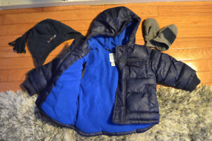 Boys Old Navy winter jacket and snow pants size 18-24 months