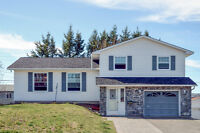 QUALITY BUILT & TASTEFULLY RENOVATED FAMILY HOME!!!!