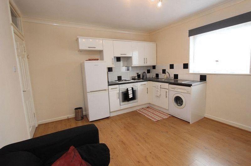1 bedroom flat in Watcombe Road, London, SE2