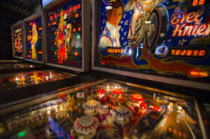 Pinball machine wanted working or project.