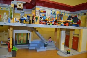 Playmobil #4323 Large School COMPLETE!!! Condition is MINT!! Cambridge Kitchener Area image 3