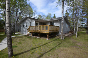 OPEN HOUSE SATURDAY! 3 Bedroom Bungalow on Golf Course