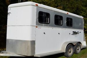 Aluminum 3 Horse Trailer for sale. In excellent condition.