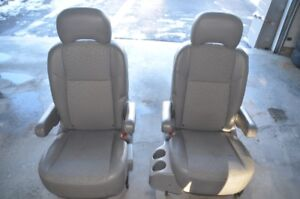 Chevrolet Uplander 2008 second row chairs
