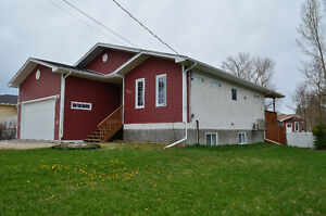 Duplex house in Beausejour-includes utilities