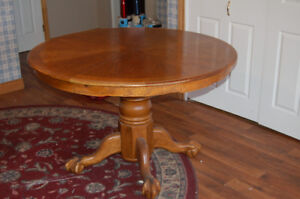 Round oak pedestal kitchen table