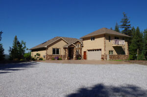 Executive Home and Shop for sale in Beaverley below appraisal