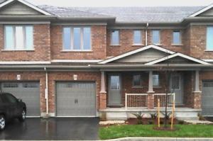 Bright Beautiful 3 Bedroom Townhouse