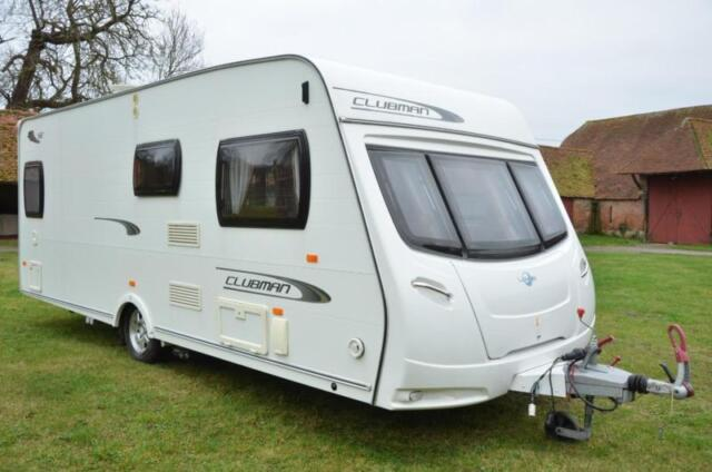 4-berth 2011 lunar clubman se caravan for sale with fixed bed and end  washroom