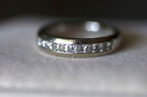 Ring for sale - white gold, diamonds
