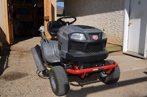 Lawn tractor for trade
