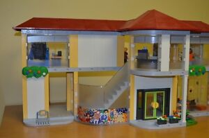 Playmobil #4323 Large School COMPLETE!!! Condition is MINT!! Cambridge Kitchener Area image 6