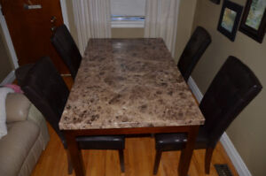 Vale table and chairs  ( marble Looking)