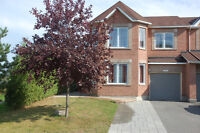 A VERY LARGE END-UNIT TOWNHOUSE IN CHAPMAN MILLS, BARRHAVEN
