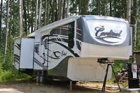2010 Cardinal 3150RL in IMMACULATE Condition
