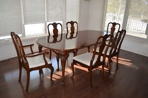 Strathroy 9-Pce. Dining Room Set