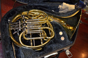 Yamaha YHR-567 French Horn with Case