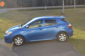 2009 Toyota Matrix blue Hatchback