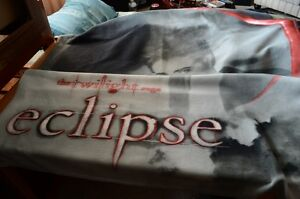 TWILIGHT:   EDWARD CULLEN Blanket from Eclipse & PILLOWCase