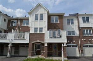 HOUSES FOR SALE IN PICKERING & AJAX