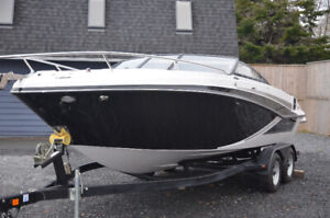 Glastron GT 229 - LAST ONE *SPECIAL SALE PRICING*